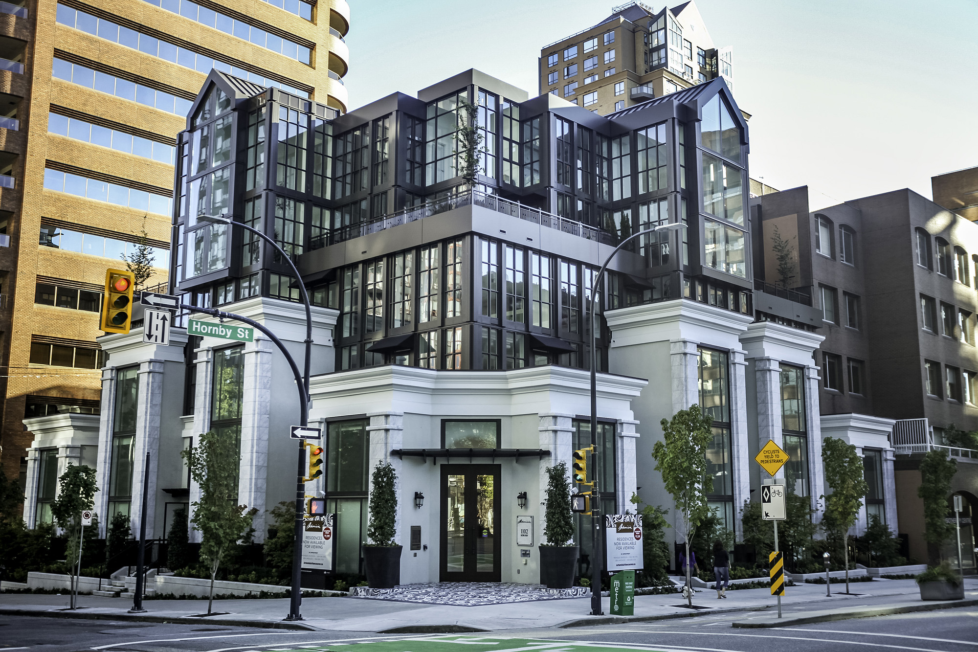 Vancouver modern condo building feature article albrighton for Style architectural moderne