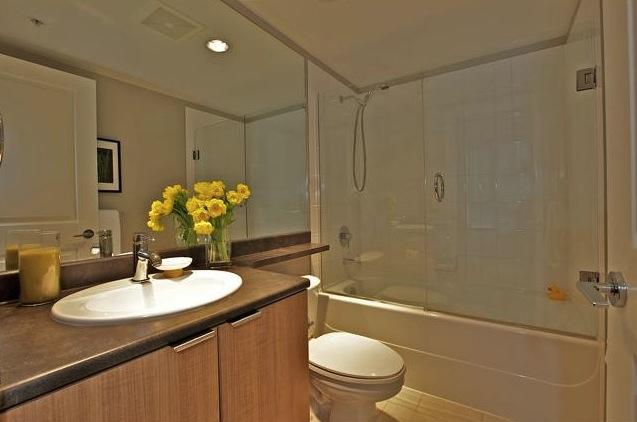 modern condo downtown miro bathroom