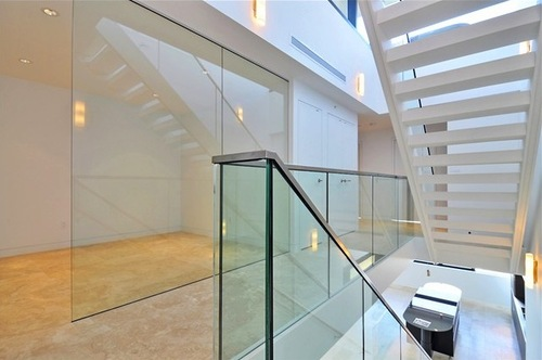 PENTHOUSE-STAIRCASE-3601-838-HASTINGS-5