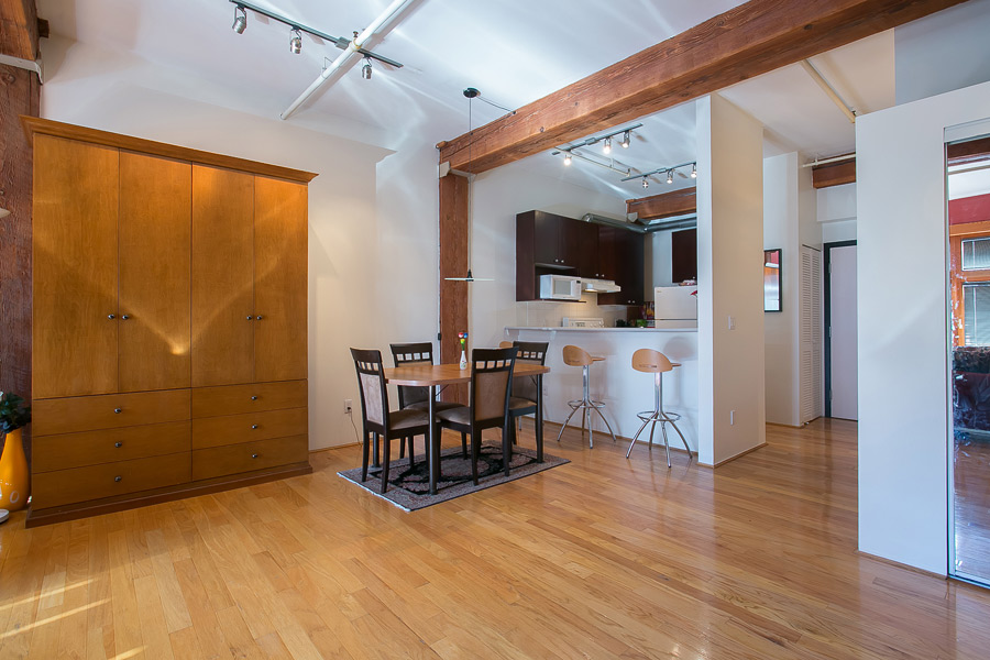 Crosstown loft for sale 369 000 albrighton real estate for Open concept loft
