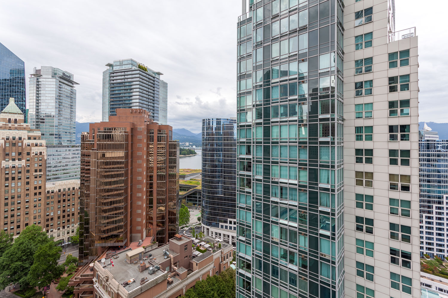 Views Jameson HOUSE NW 838 west hastings street web 45