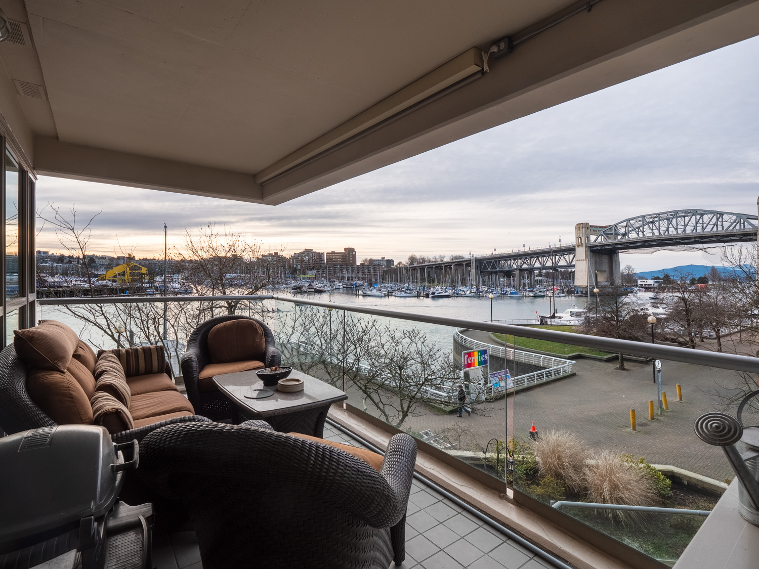 Waterfront condo  1600 hornby street web 20