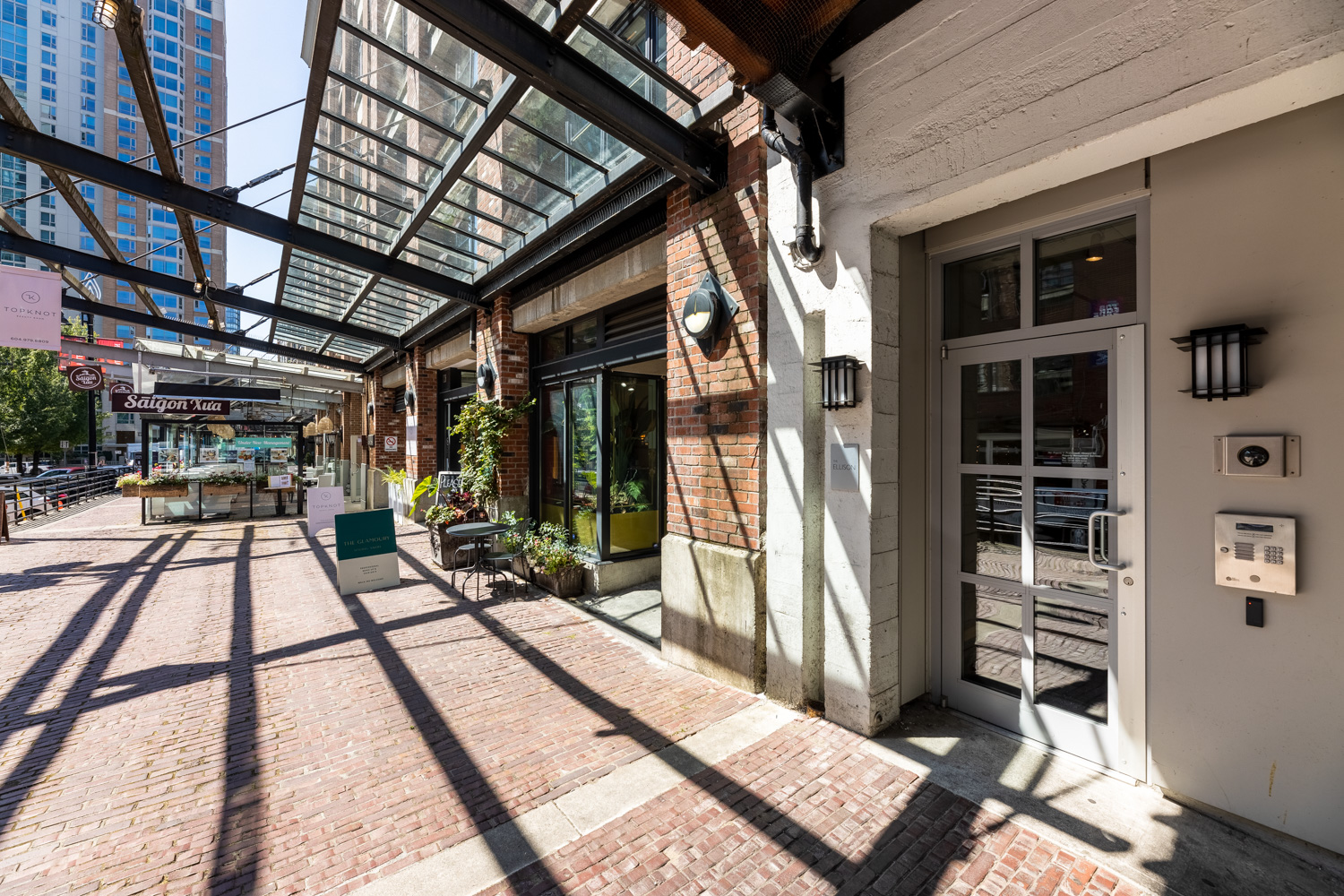 Yaletown Loft district with cobble streets and restored beautiful architectural buildings