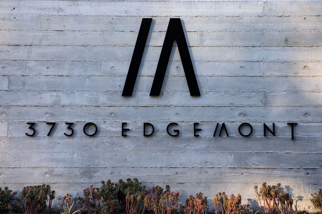 3730 Edgemont Blvd - modern home by Mcfarlane Biggar Architects Entrance Sign