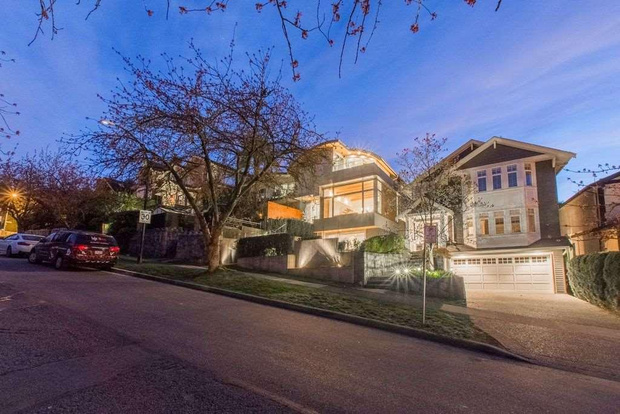 frits de vries modern house for sale in vancouver 2