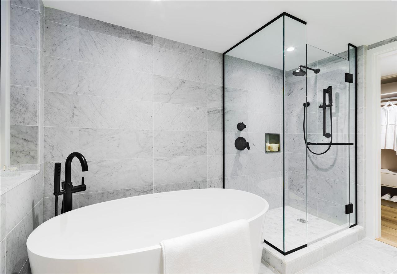 mirabel bathroom