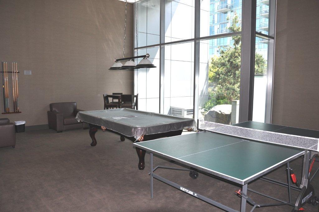 590 Nicola pool room