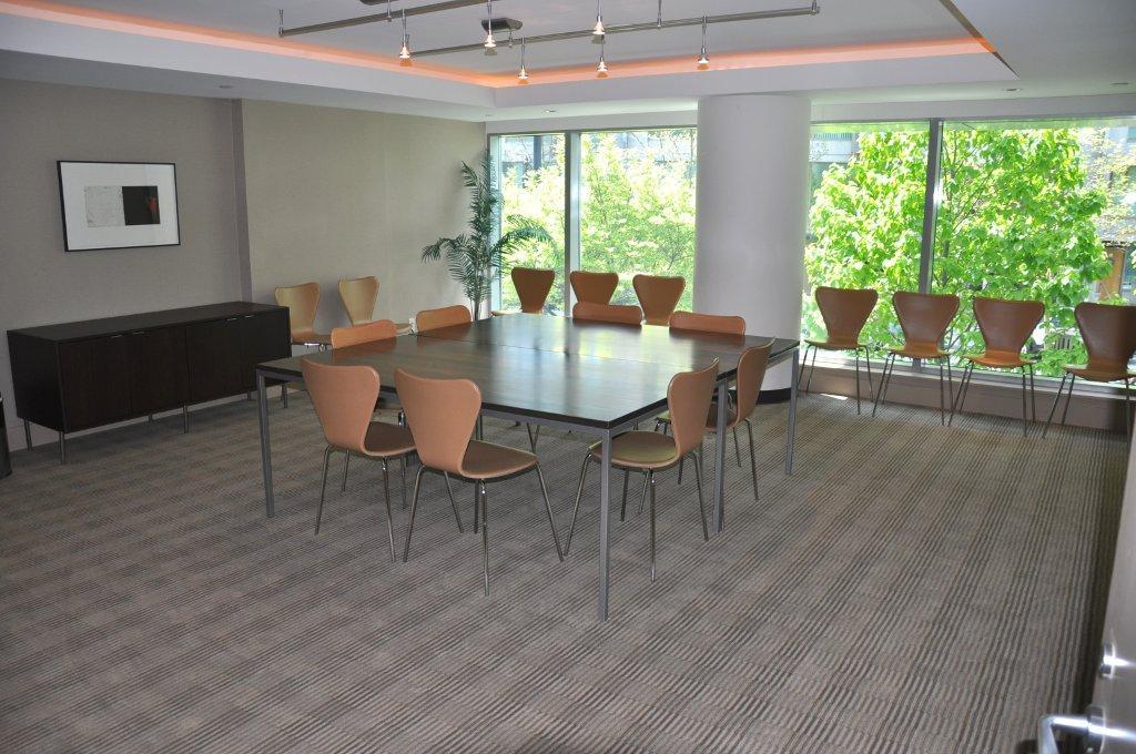 590 Nicola meeting room
