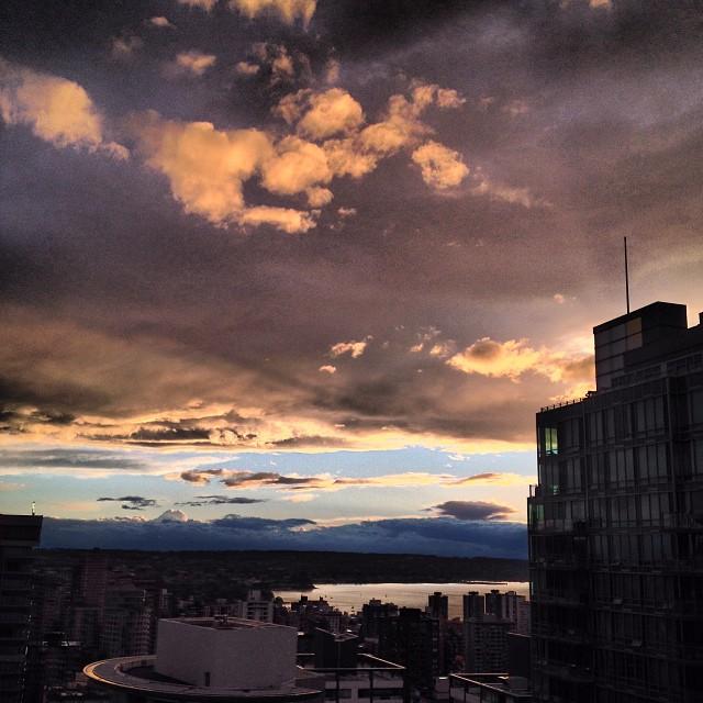 vancouver vancity vancouverisawesome storm dream sunset igs photos ig canada explorebc world shotz worldunion igs photos